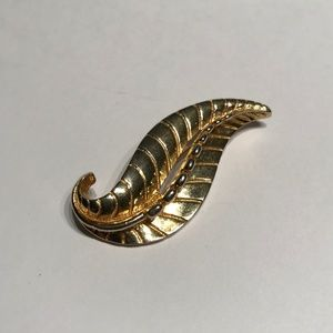 Sarah Cov Gold Leaf Brooch, Sarah Coventry Jewelry
